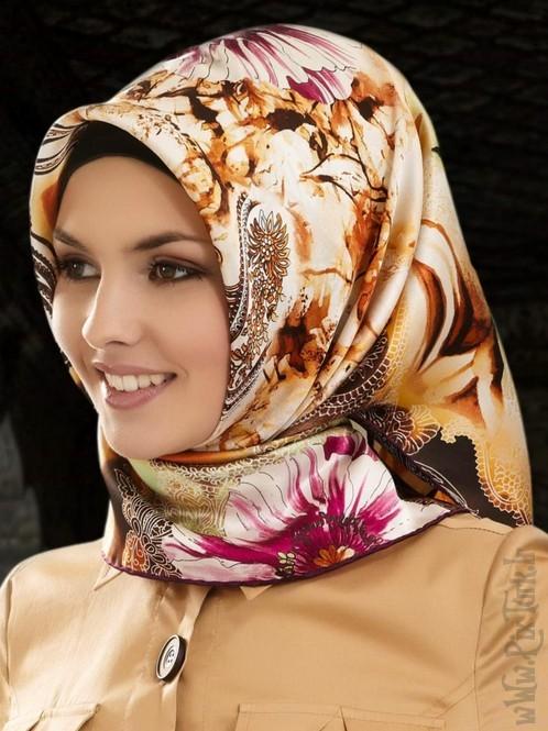 روسری زیر چادر